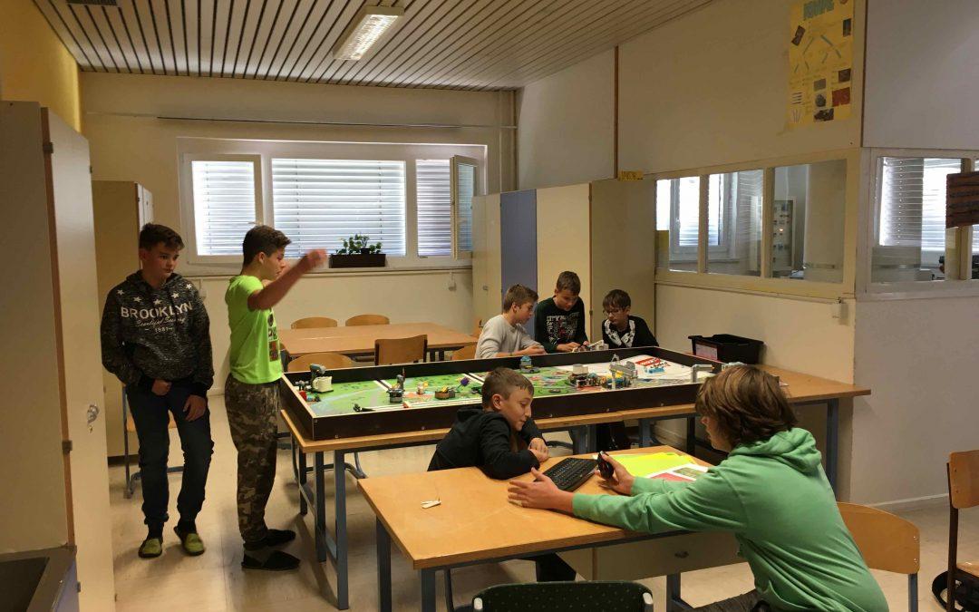 Ekipa FIRST LEGO League začenja sezono
